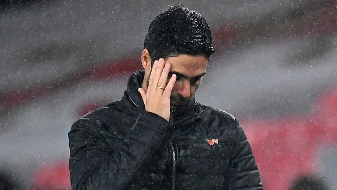 Arteta gathers his thoughts in the 3-0 defeat to Aston Villa