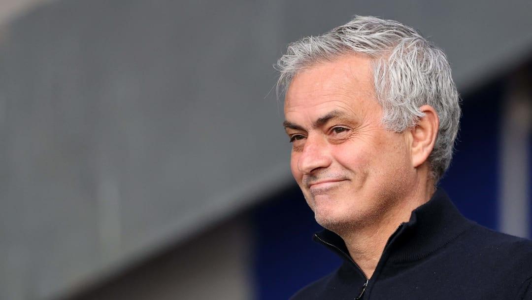 José Mourinho è il nuovo allenatore della Roma