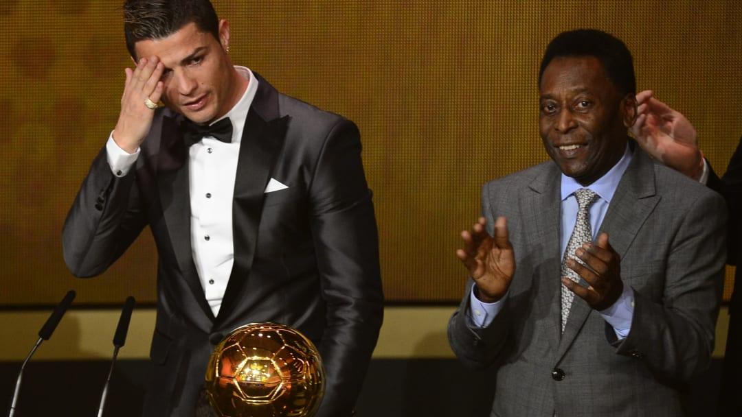 Cristiano Ronaldo e Pelé em premiação da Fifa.
