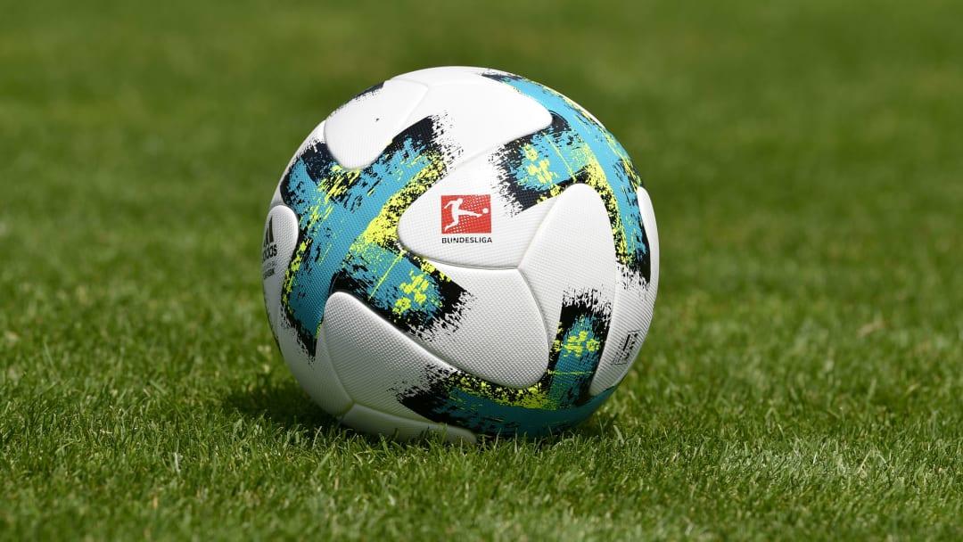Bundesliga topu.