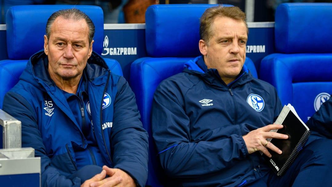 Laut eines Medienberichts soll Mike Büskens (r.) Interimstrainer auf Schalke werden