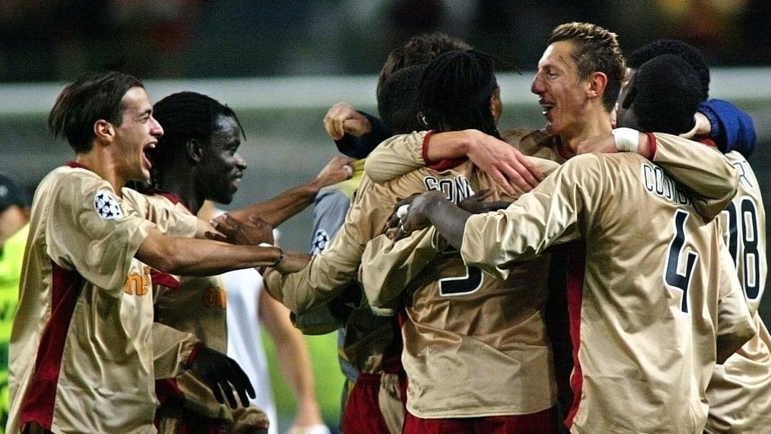 Le RC Lens en 2002 face au Milan AC en Ligue des Champions.