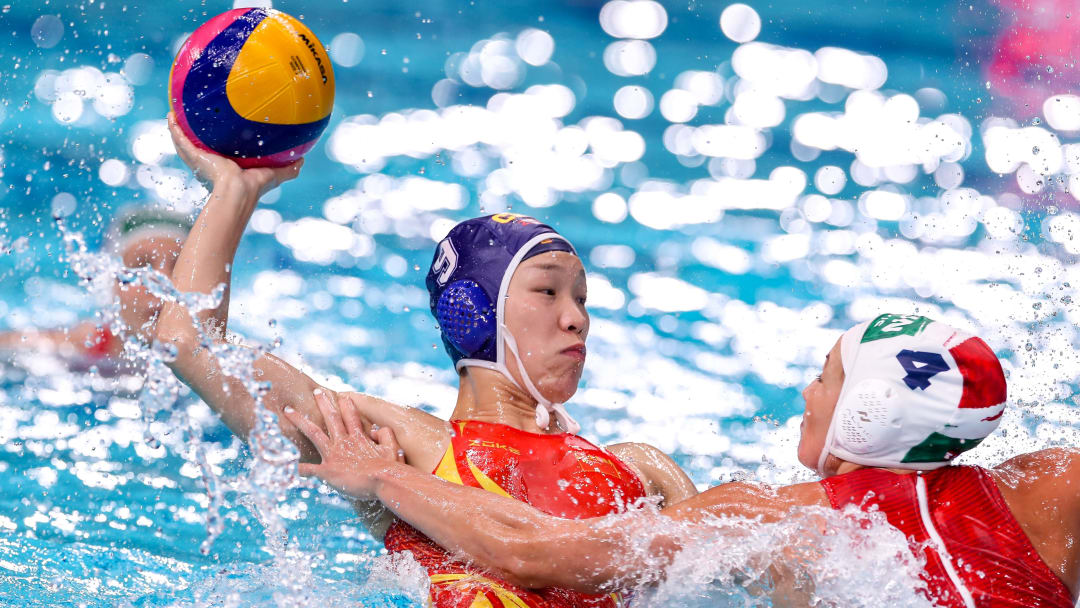 Spain vs China prediction, odds, betting lines & spread for women's Olympic water polo game on Tuesday, August 3.