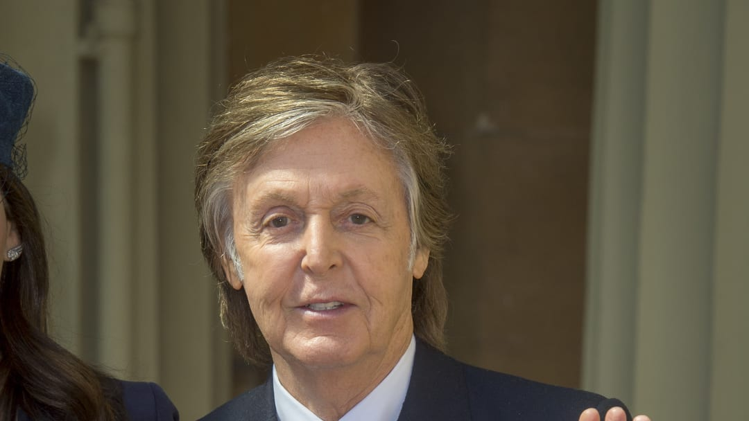 LONDON, ENGLAND - MAY 4: Sir Paul McCartney poses following an Investiture ceremony, where he was made a Companion of Honour at Buckingham Palace on May 4, 2018 in London, England. (Photo by Bradley Page - WPA Pool/Getty Images)