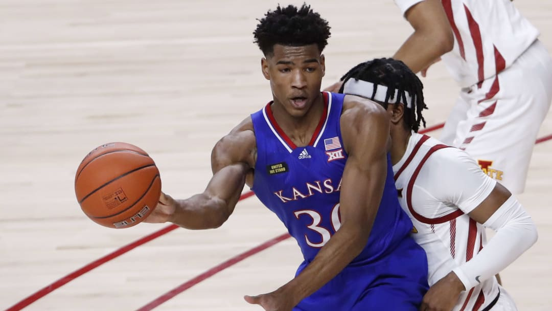 UTEP vs Kansas Spread, Line, Odds, Predictions, Over/Under & Betting Insights for College Basketball Game.