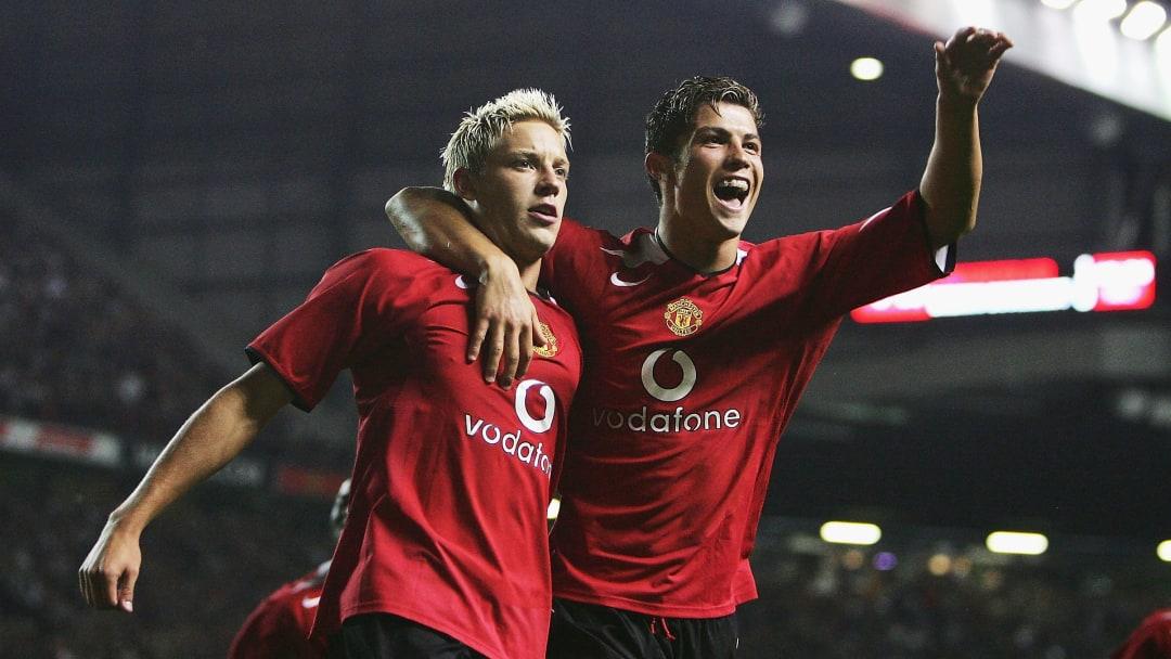Manchester United v Dinamo Bucharest