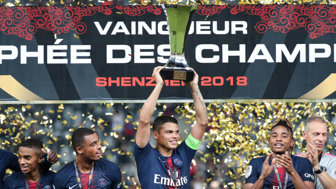 Thiago Silva avec le trophée des Champions en 2018.