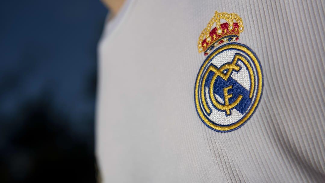 Le nouveau maillot du Real Madrid entre en scène.