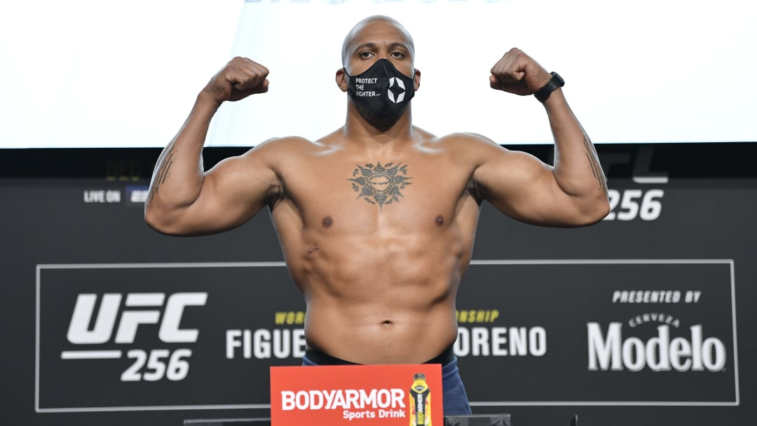 Ciryl Gane has a chance to establish himself as the top contender in the UFC heavyweight division this weekend.