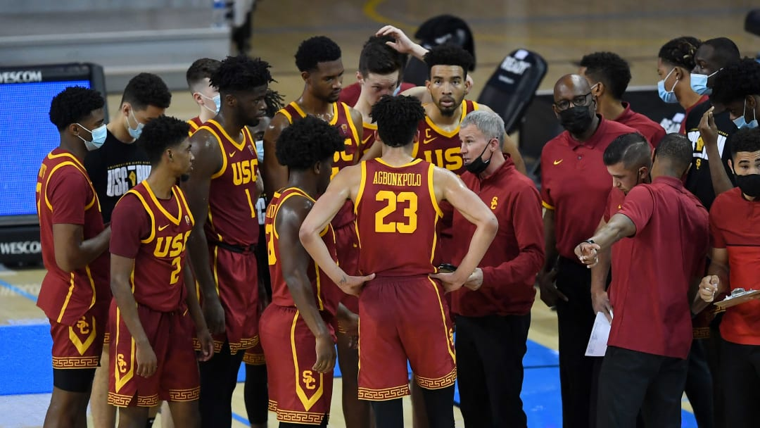 USC basketball coach Andy Enfield and team.