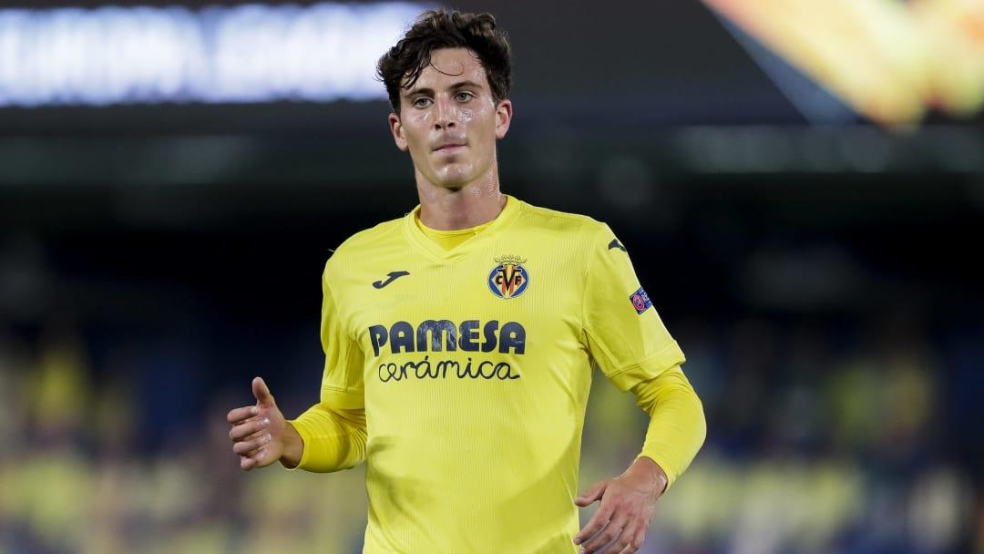 Pau Torres spielte mit dem FC Villareal auch schon in der Europa League.