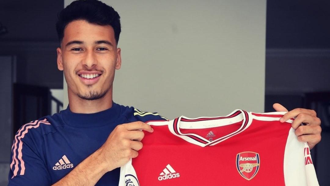 Arsenal chính thức giữ chân tiền đạo trẻ người Brazil
