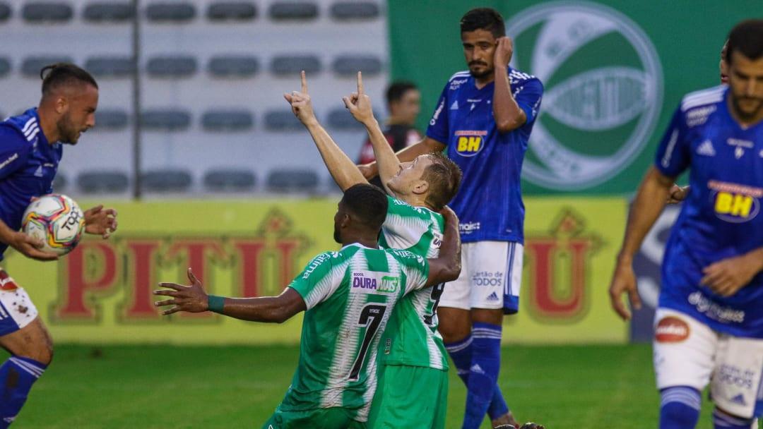 Com Cruzeiro de 2020 e Vasco de 2016: veja 5 campanhas decepcionantes de grandes clubes na Série B do Campeonato Brasileiro.