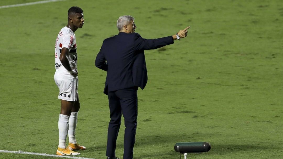 São Paulo empatou em estreia de Crespo