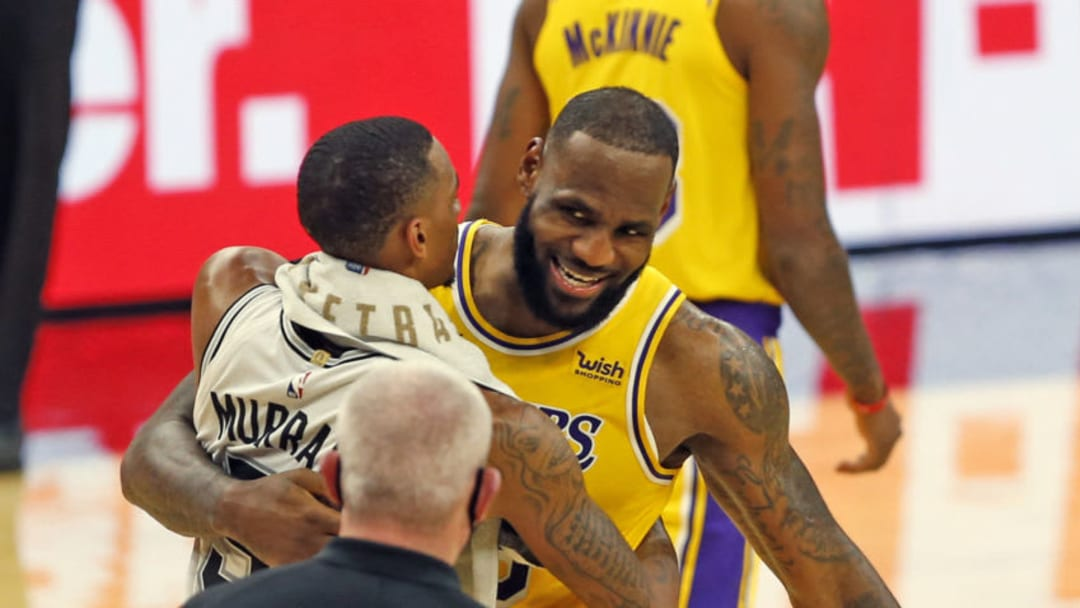 Dejounte Murray LeBron James (Photo by Ronald Cortes/Getty Images)