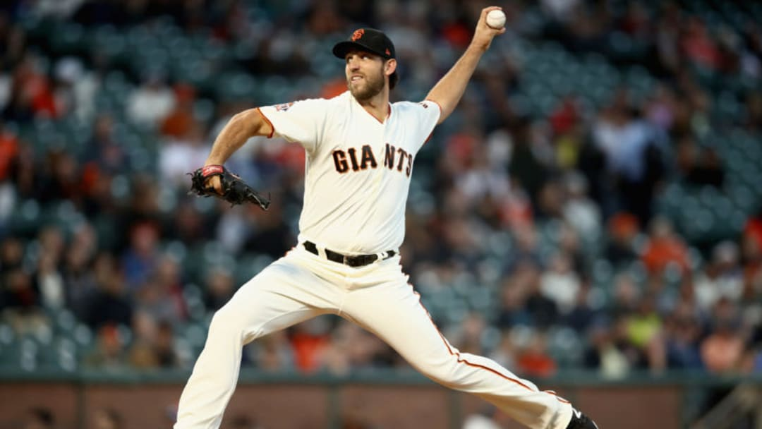 SAN FRANCISCO, CA - AUGUST 28: Madison Bumgarner #40 of the San Francisco Giants pitches against the Arizona Diamondbacks at AT&T Park on August 28, 2018 in San Francisco, California. (Photo by Ezra Shaw/Getty Images)