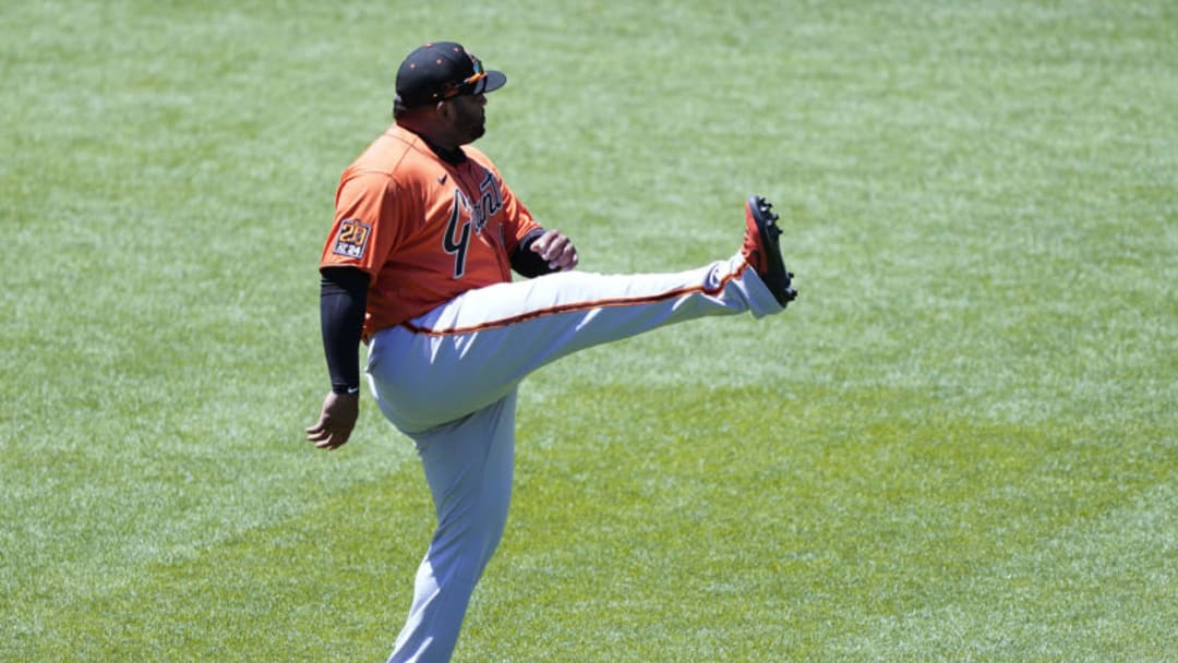 Pablo Sandoval of the SF Giants warms up.(Photo by Thearon W. Henderson/Getty Images)