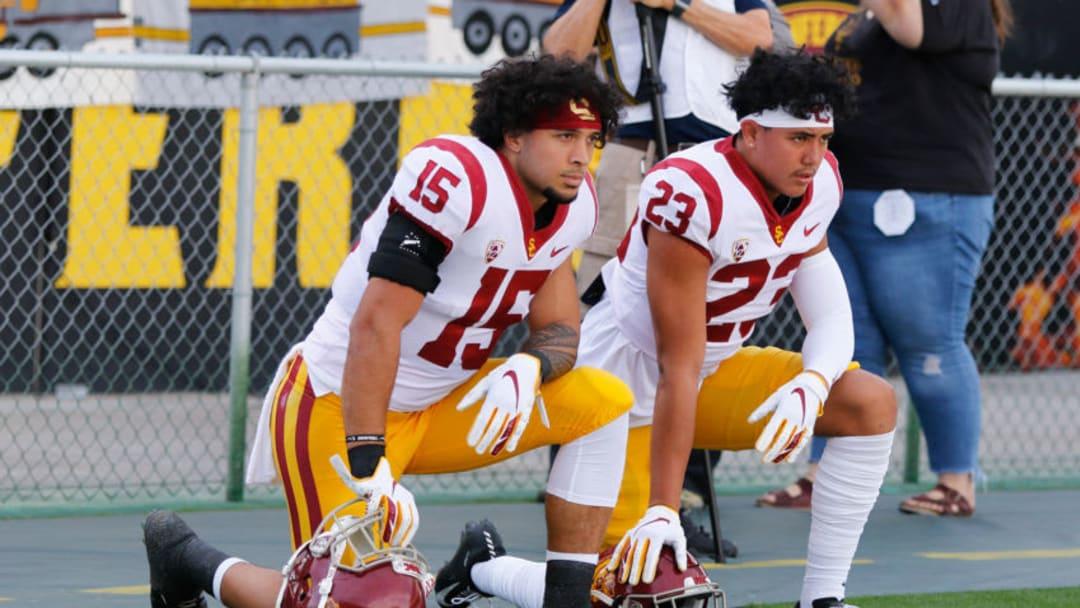 USC football players. (Alicia de Artola/Reign of Troy)