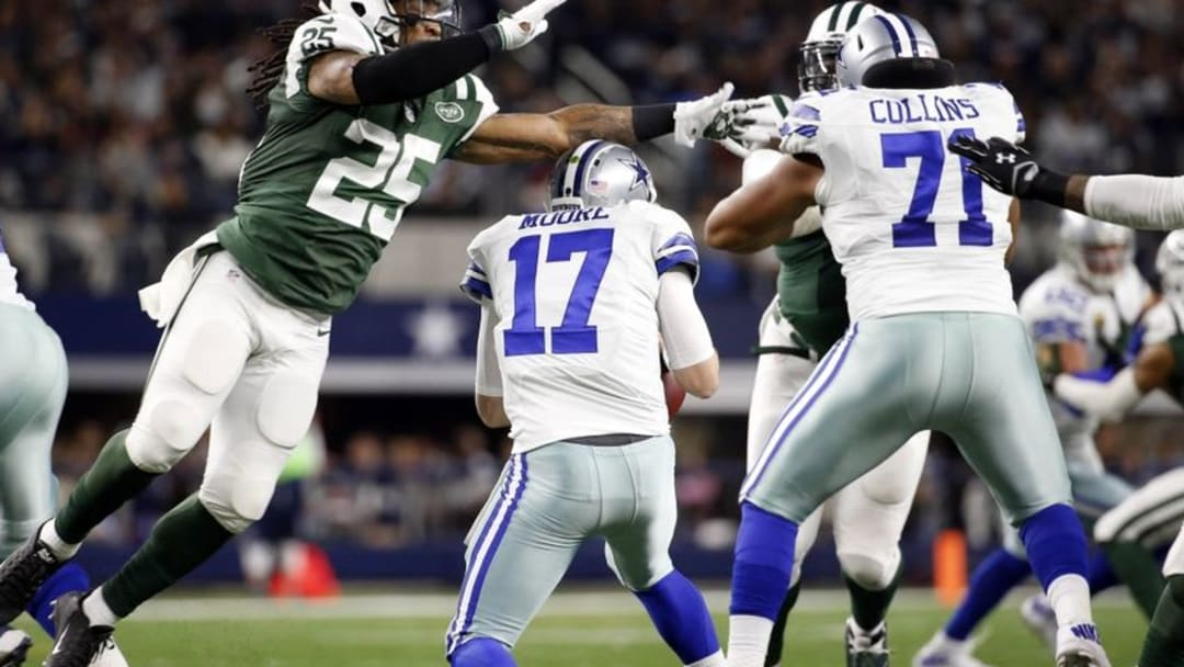 Dec 19, 2015; Arlington, TX, USA; New York Jets strong safety Calvin Pryor (25) rushes Dallas Cowboys quarterback Kellen Moore (17) during the first half at AT&T Stadium. Mandatory Credit: Kevin Jairaj-USA TODAY Sports