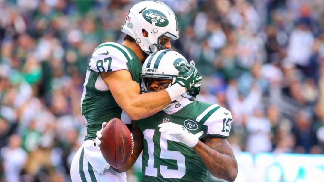 oDec 27, 2015; East Rutherford, NJ, USA; New York Jets wide receiver Eric Decker (87) and New York Jets wide receiver Brandon Marshall (15) celebrate Marshall