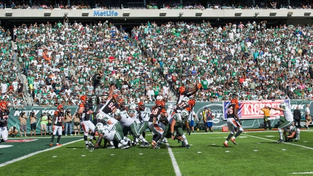 Sep 11, 2016; East Rutherford, NJ, USA; New York Jets kicker Nick Folk (2) kicks a extra point against the Cincinnati Bengals in the second half at MetLife Stadium. The Bengals defeated the Jets 23-22. Mandatory Credit: William Hauser-USA TODAY Sports