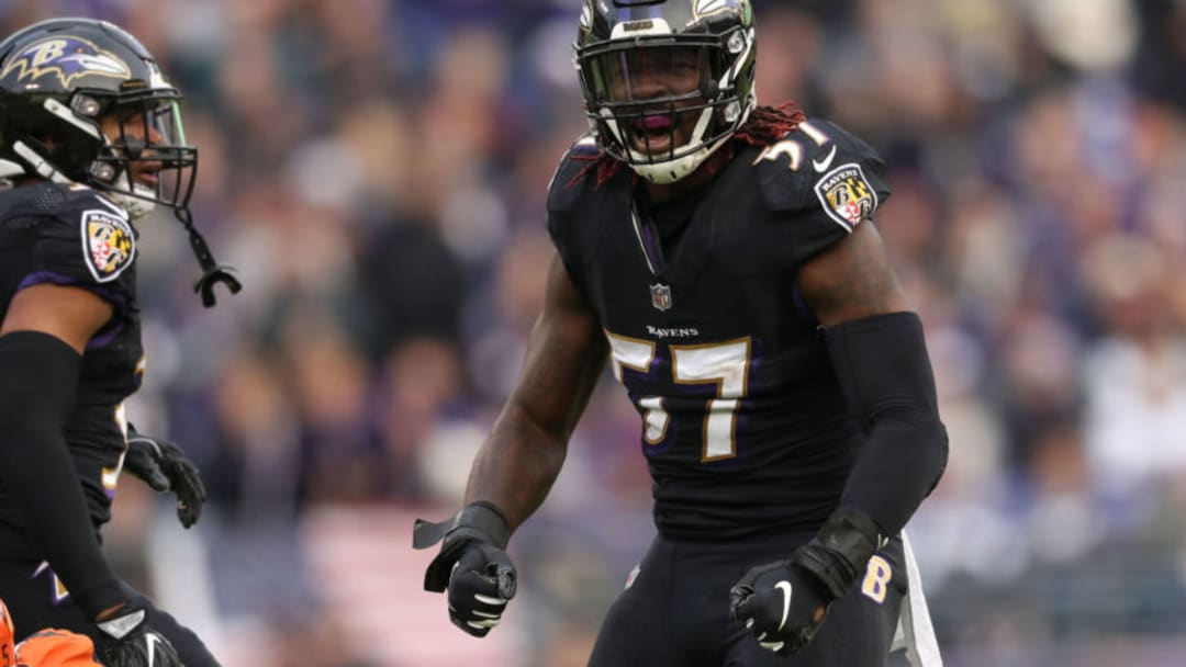 BALTIMORE, MD - NOVEMBER 18: Inside Linebacker C.J. Mosley #57 of the Baltimore Ravens reacts after a play in the fourth quarter against the Cincinnati Bengals at M&T Bank Stadium on November 18, 2018 in Baltimore, Maryland. (Photo by Patrick Smith/Getty Images)