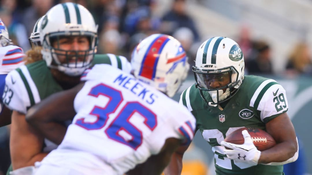 EAST RUTHERFORD, NJ - JANUARY 01: Bilal Powell #29 of the New York Jets runs with the ball during the second quarter of their game against the Buffalo Bills at MetLife Stadium on January 1, 2017 in East Rutherford, New Jersey. (Photo by Ed Mulholland/Getty Images)