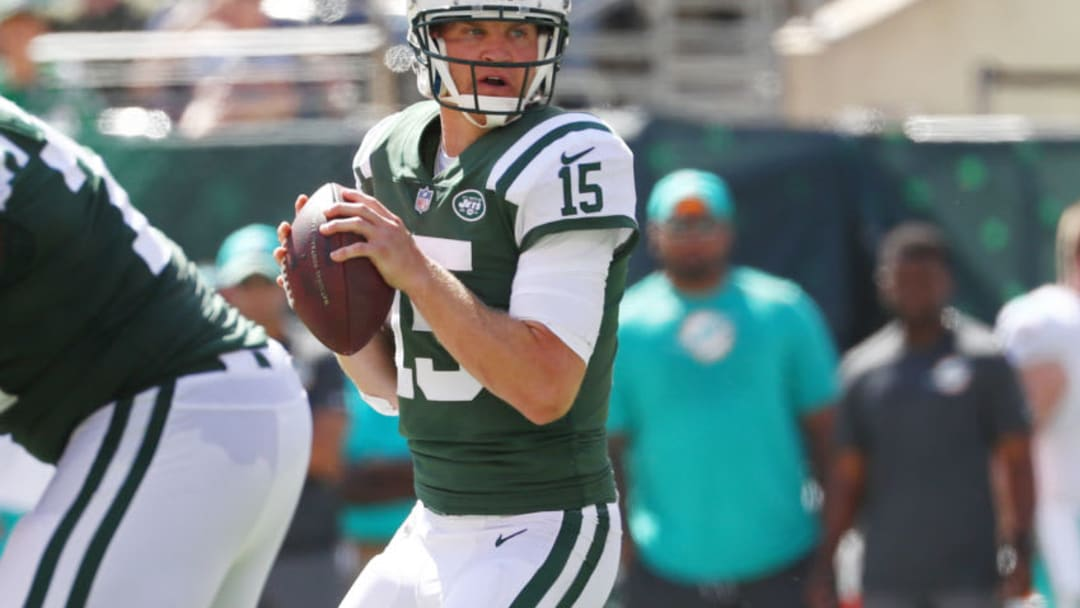 EAST RUTHERFORD, NJ - SEPTEMBER 24: Josh McCown #15 of the New York Jets attempts a pass against the Miami Dolphins during the first half of an NFL game at MetLife Stadium on September 24, 2017 in East Rutherford, New Jersey. (Photo by Al Bello/Getty Images)