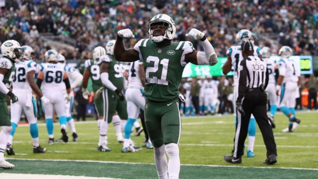 EAST RUTHERFORD, NJ - NOVEMBER 26: Cornerback Morris Claiborne #21 of the New York Jets reacts during the second half of the game at MetLife Stadium on November 26, 2017 in East Rutherford, New Jersey. The Carolina Panthers won 35-27. (Photo by Al Bello/Getty Images)