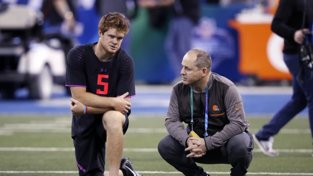 INDIANAPOLIS, IN - MARCH 03: USC quarterback Sam Darnold talks with Ken Zampese of the Cleveland Browns during the NFL Combine at Lucas Oil Stadium on March 3, 2018 in Indianapolis, Indiana. (Photo by Joe Robbins/Getty Images)