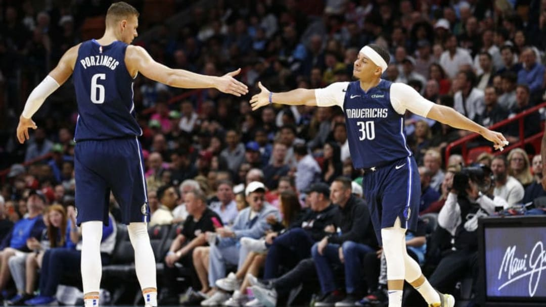 Dallas Mavericks Seth Curry Kristaps Porzingis (Photo by Michael Reaves/Getty Images)