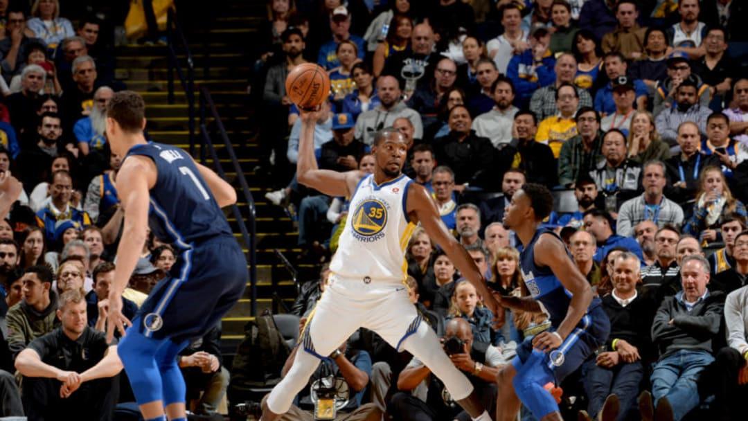 OAKLAND, CA - DECEMBER 14: Kevin Durant