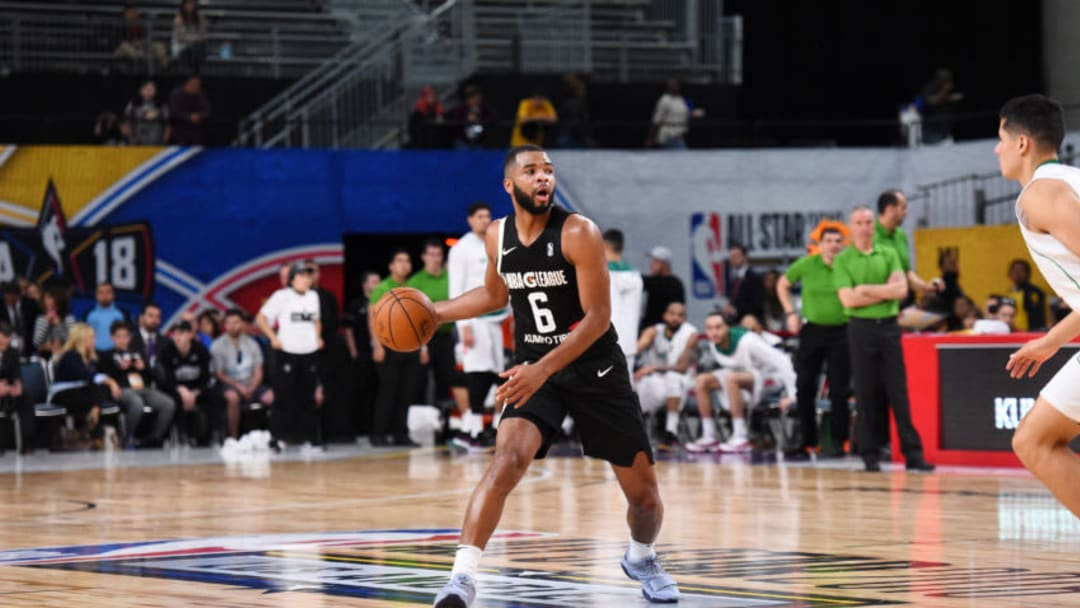 LOS ANGELES, CA - FEBRUARY 18: Aaron Harrison #6 of the USA Team handles the ball against the Mexico National Team during the 2018 NBA G League International Challenge presented by Kumho Tire as a part of 2018 NBA All-Star Weekend at Verizon Up Arena at LACC on February 18, 2018 in Los Angeles, California. NOTE TO USER: User expressly acknowledges and agrees that, by downloading and/or using this photograph, user is consenting to the terms and conditions of the Getty Images License Agreement. Mandatory Copyright Notice: Copyright 2018 NBAE (Photo by Juan Ocampo/NBAE via Getty Images)