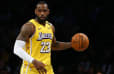 LeBron James logra otro triple doble y acecha marcas de Jason Kidd y Kobe Bryant
