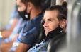 Gareth Bale 'ngủ gật' trên ghế dự bị, dân mạng khẳng định số phận đã rõ