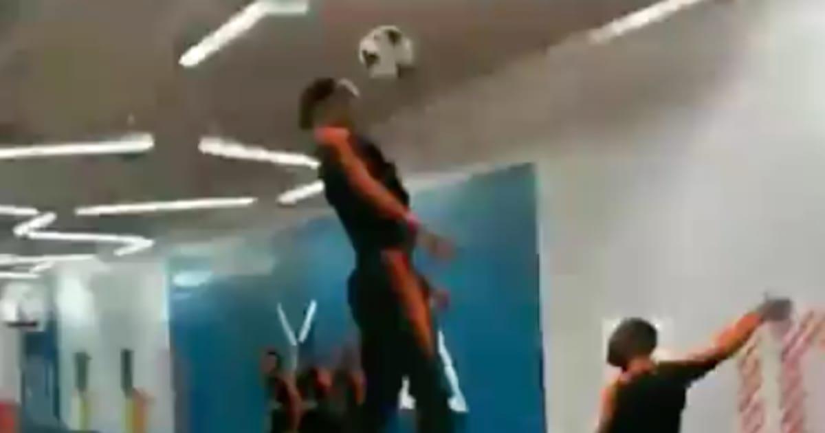 Video Virgil Van Dijk Displays Insane Ability During International Training With Netherlands 90min