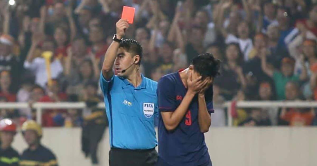 CHÍNH THỨC: AFC ra án phạt dành cho Supachai sau pha chơi xấu với Đình Trọng