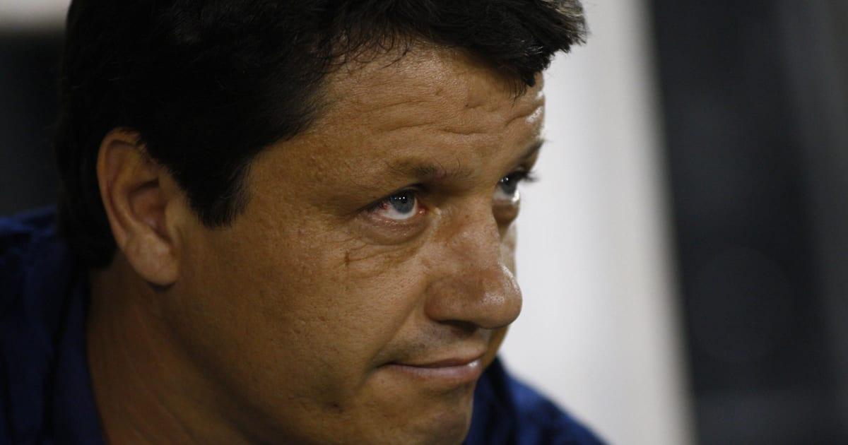 90min Com On Flipboard Samuel Venancio Mostra Adilson Botando Ordem No Cruzeiro E 2 Medalhoes Sao Barrados Do Time Titular