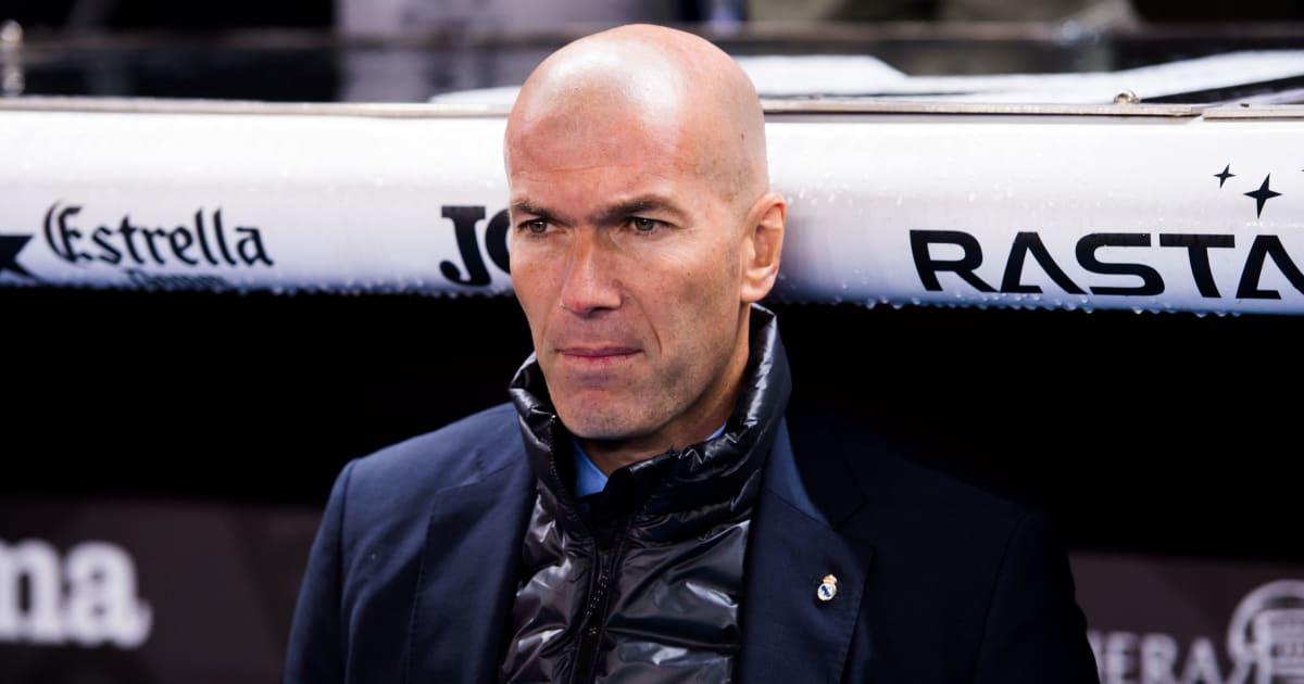 Zidane đáp trả cực gắt khi được hỏi so sánh Barca với Real