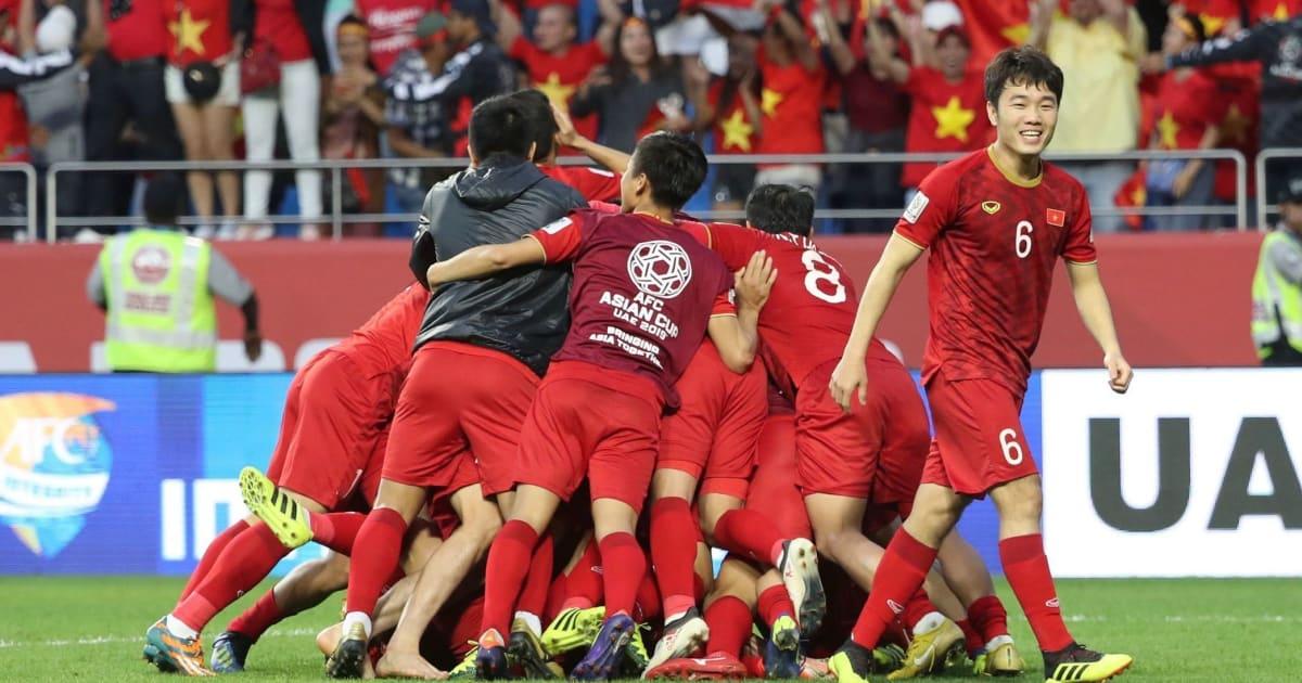 NÓNG: Tuyển Việt Nam thăng hạng trên BXH FIFA tháng 3/2019