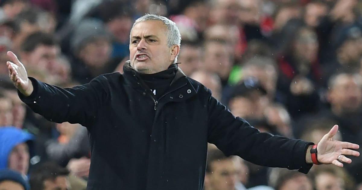 Mourinho đích thân lên tiếng vạch trần vụ 'làm phản' tại M.U