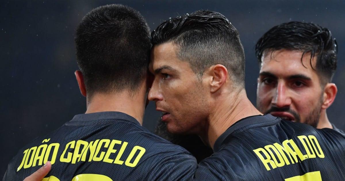 SỐC: Sao Juve nhấn like bình luận bênh vực Ronaldo, chửi CLB thậm tệ