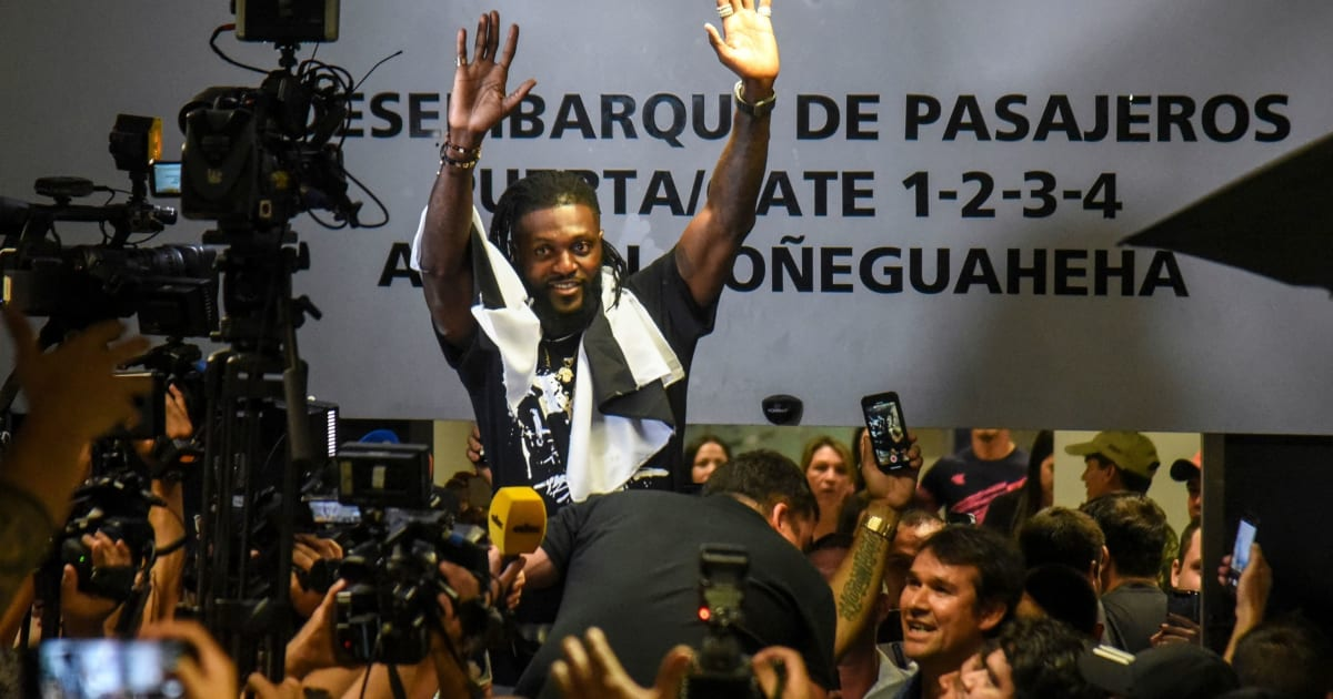 Emmanuel Adebayor's Amazing Welcome as He Arrives in Paraguay on Free Transfer