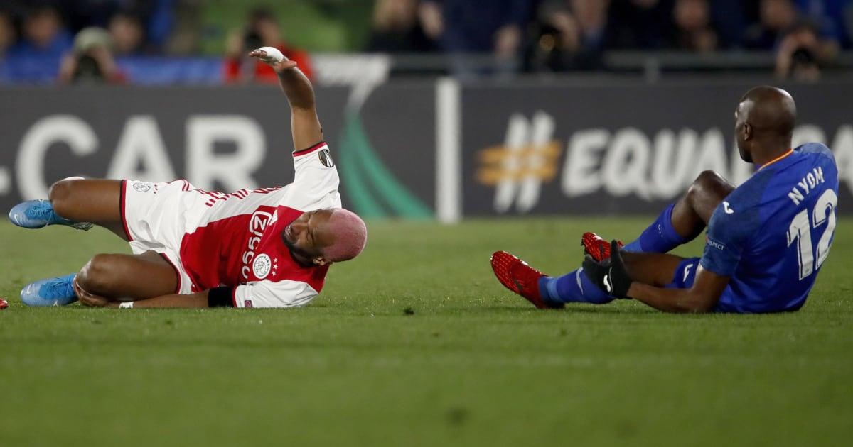 VIDEO: Ryan Babel Hilariously Mocks Allan Nyom's Play-Acting in Europa League Clash