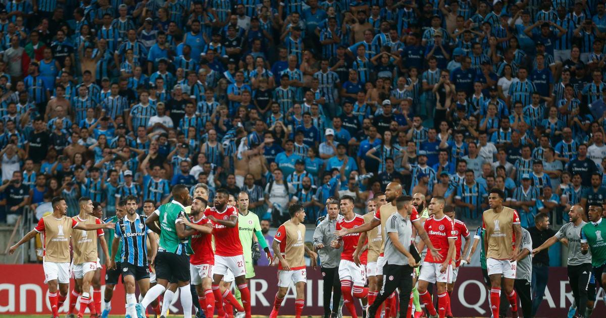 VIDEO: Copa Libertadores Tie Between Gremio & Internacional Descends Into Chaos as 8 Players See Red