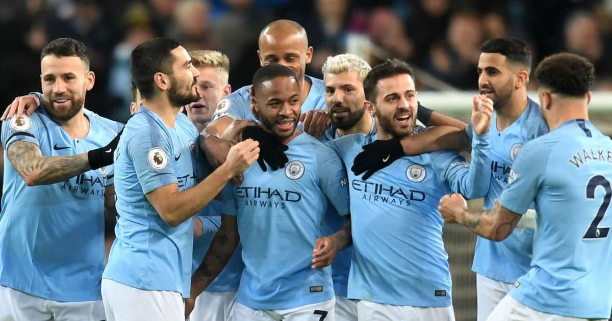 Sao khủng Man City bất ngờ bày tỏ tình yêu với Man United
