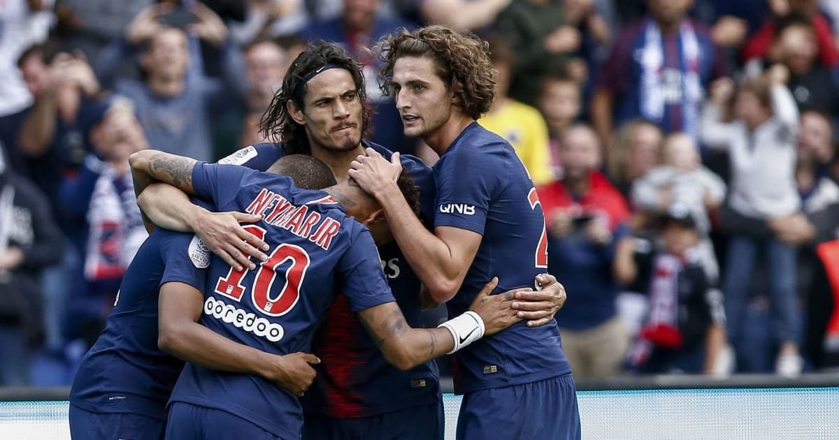 psg players aim dig at liverpool outcast during training session as infamous blunders mocked. Black Bedroom Furniture Sets. Home Design Ideas