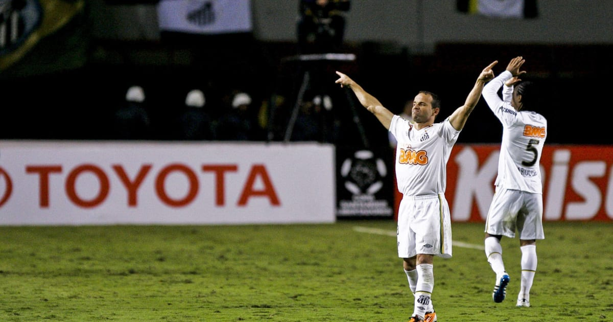 Ídolo do Santos, Léo fala sobre possível retorno de Robinho à Vila Belmiro