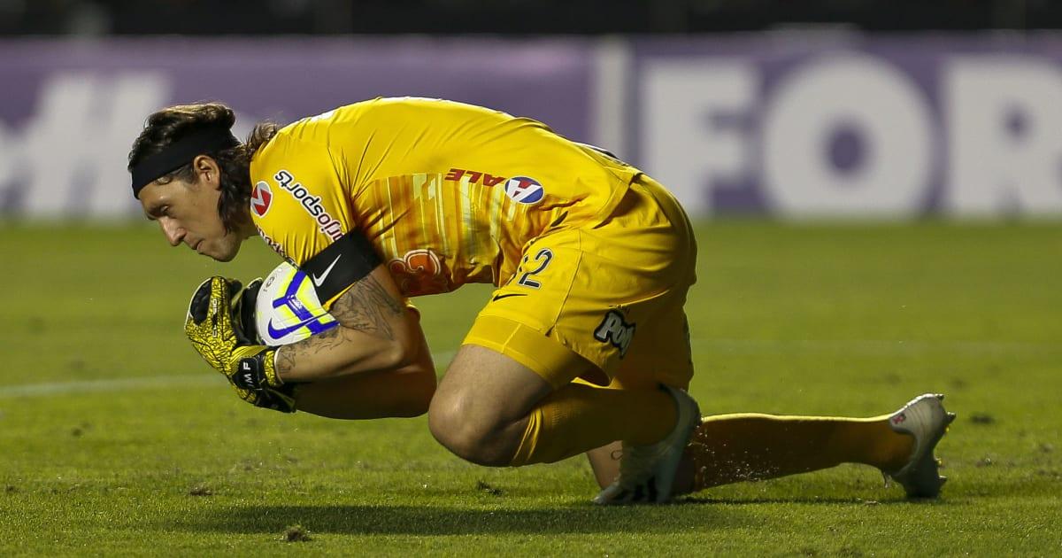 Projeção mostra que Cássio deve, em breve, quebrar marca histórica de Ronaldo no Timão