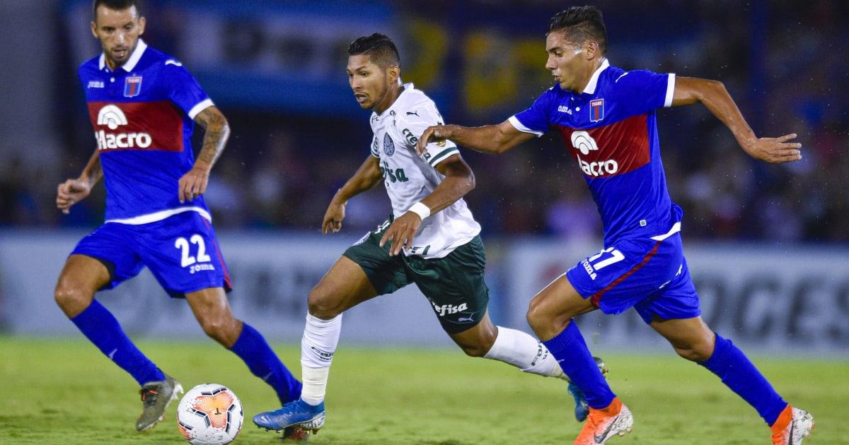 """Em alta, Rony chega bem ao Palmeiras, mas quesito """"finalização"""" preocupa"""